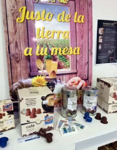 COMUCAFE en COPADE bajo la marca TIERRA JUSTA, en apoyo a una cooperativa de mujeres de Honduras.