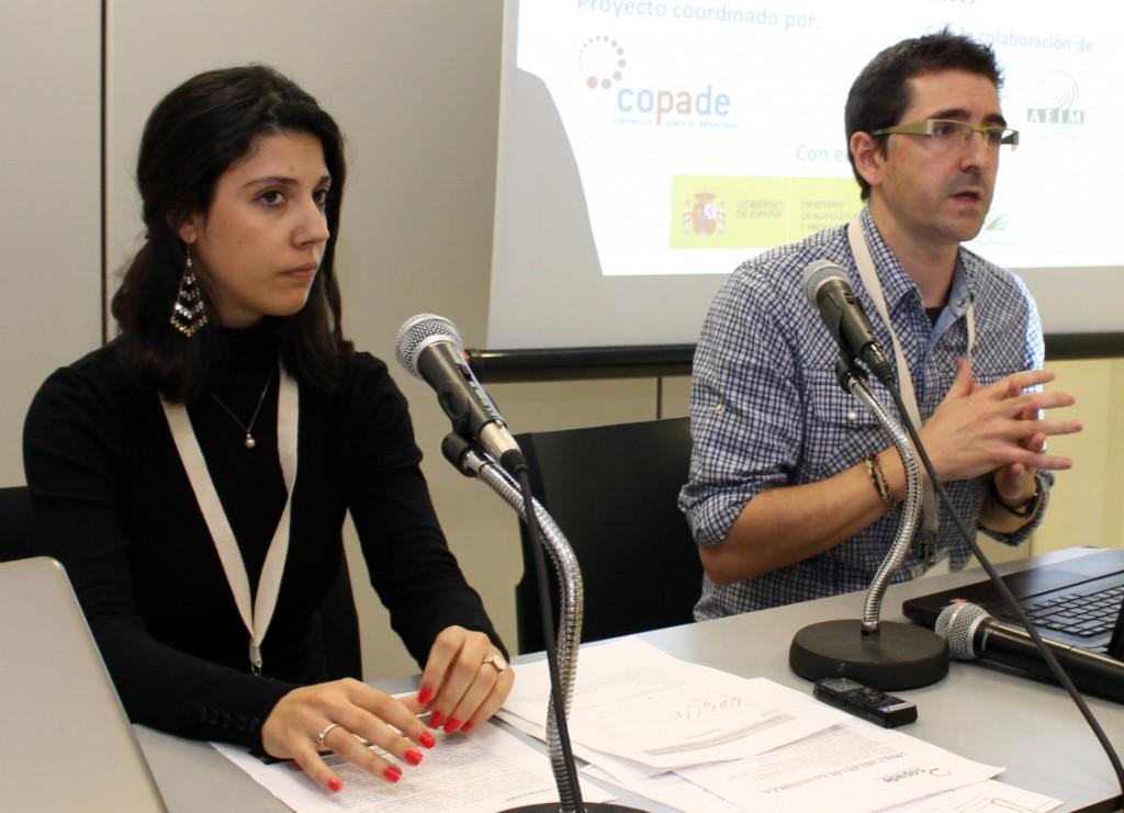 Angy Akke, consultora de FACTOR C02, junto a Jaime Manteca, representante de COPADE en este proyecto.
