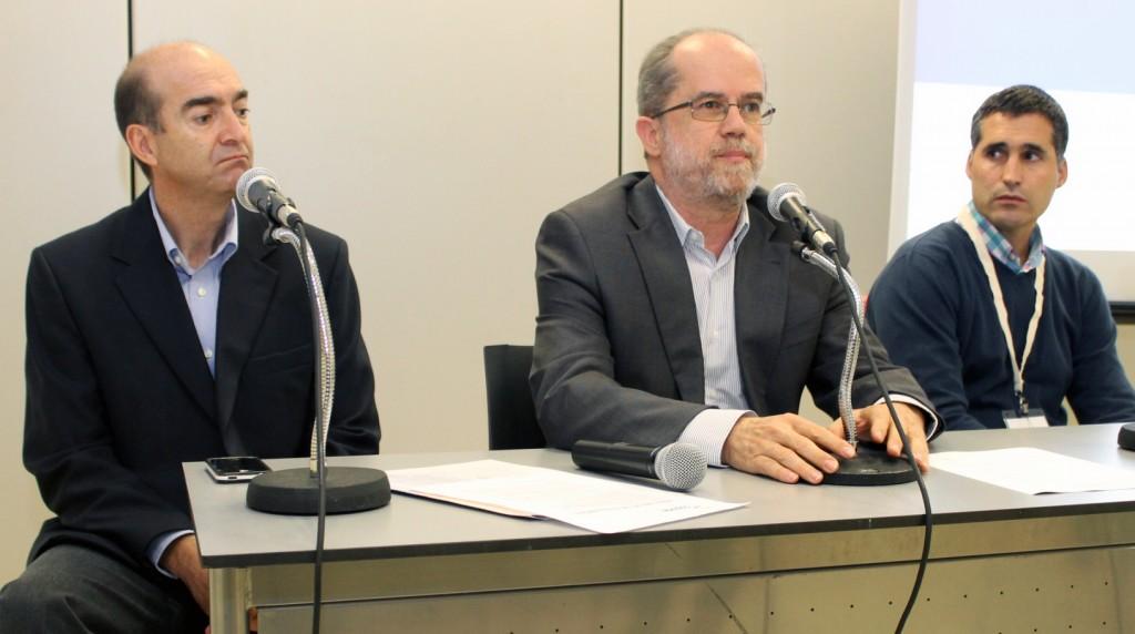 De izquierda a derecha Jorge Fábrega (ESCUELA IDEO), Ricardo Colmenares (TRIODOS) e Iñaki Esáin (BELLOTA).