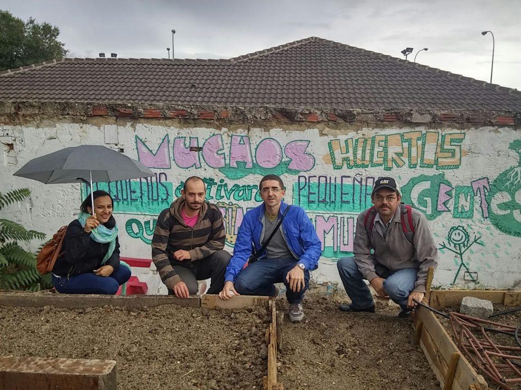 "Visita de la delegación hispano-hondureña al huerto urbano ""Las Adelfas""."