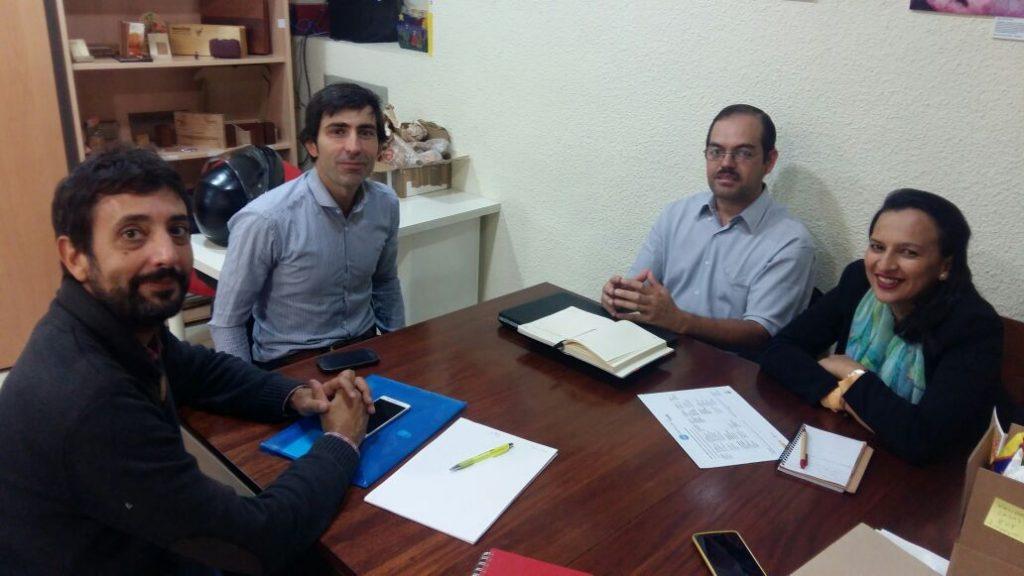 """Los visitantes hondureños fueron recibidos por miembros de la plataforma """"Madrid Agroecológico""""."""